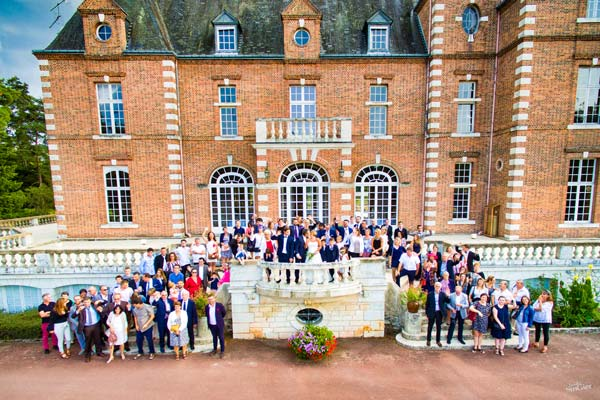 mariage-groupes-drone-chateau.jpg